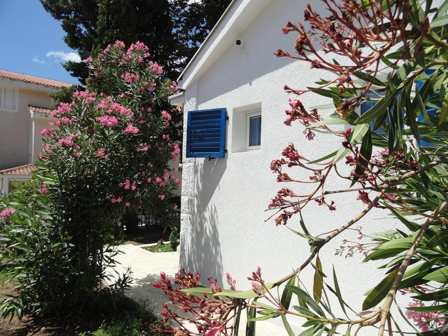 NewLine Montenegro - KUCA ZA ODMOR SA BAZENOM - 3 bedrooms - Slika 8