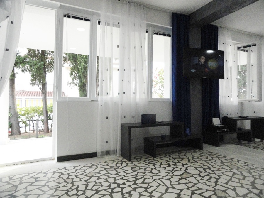 NewLine Montenegro - KUCA ZA ODMOR SA BAZENOM - 3 bedrooms - Slika 5