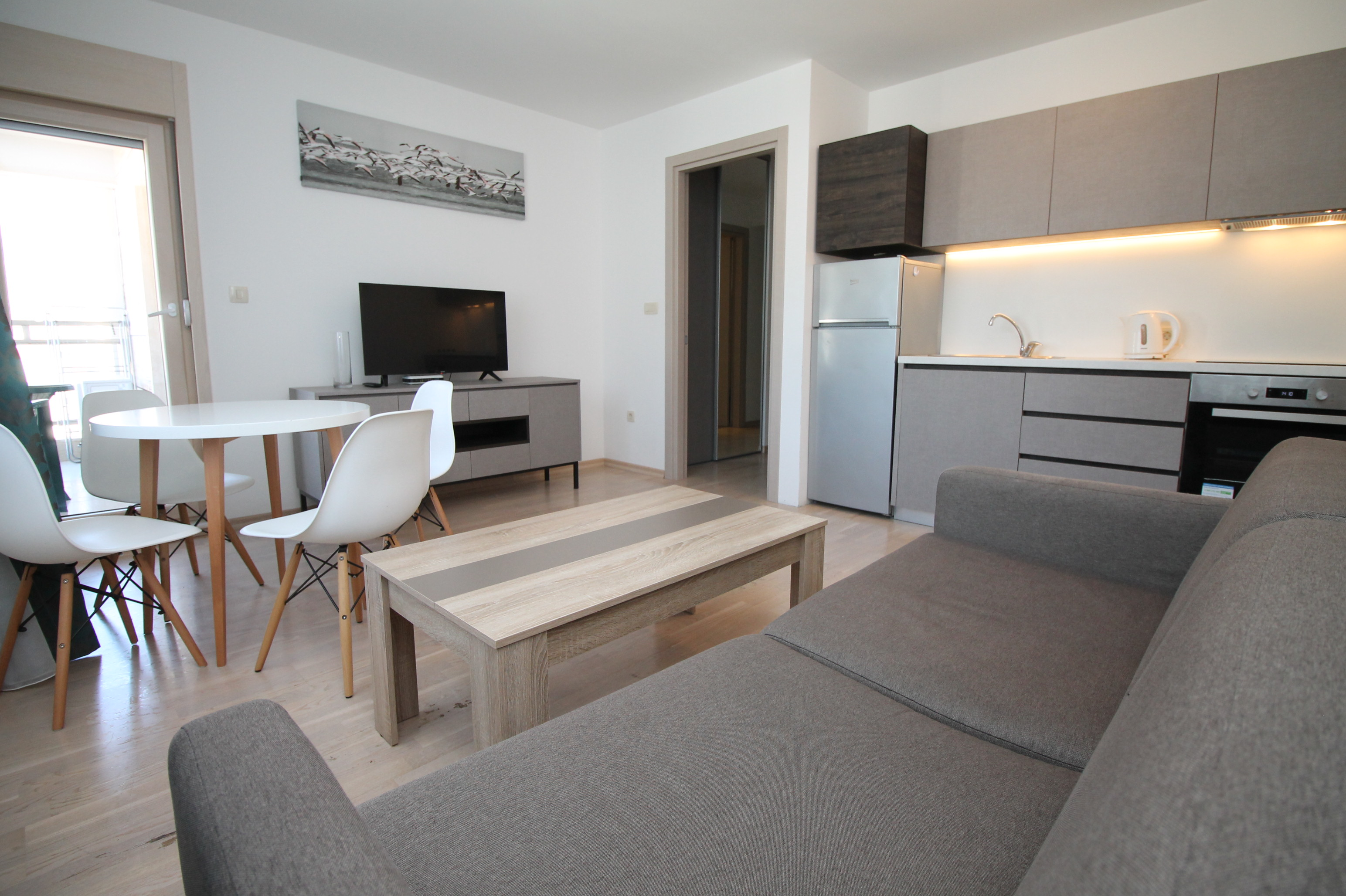 Lux Apartments Fontana F70 one bedroom