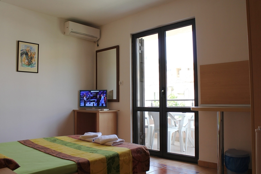 TWO BEDROOM APARTMENT 4 PAX( 102,203,303)