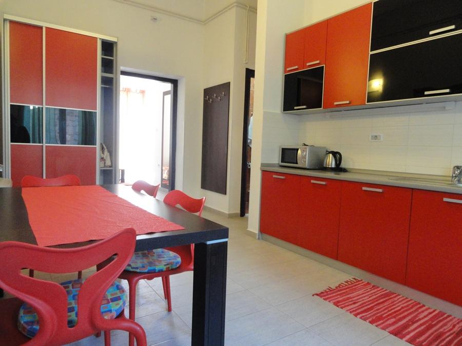 КРАСНЫЙ апартамент с двумя спальнями