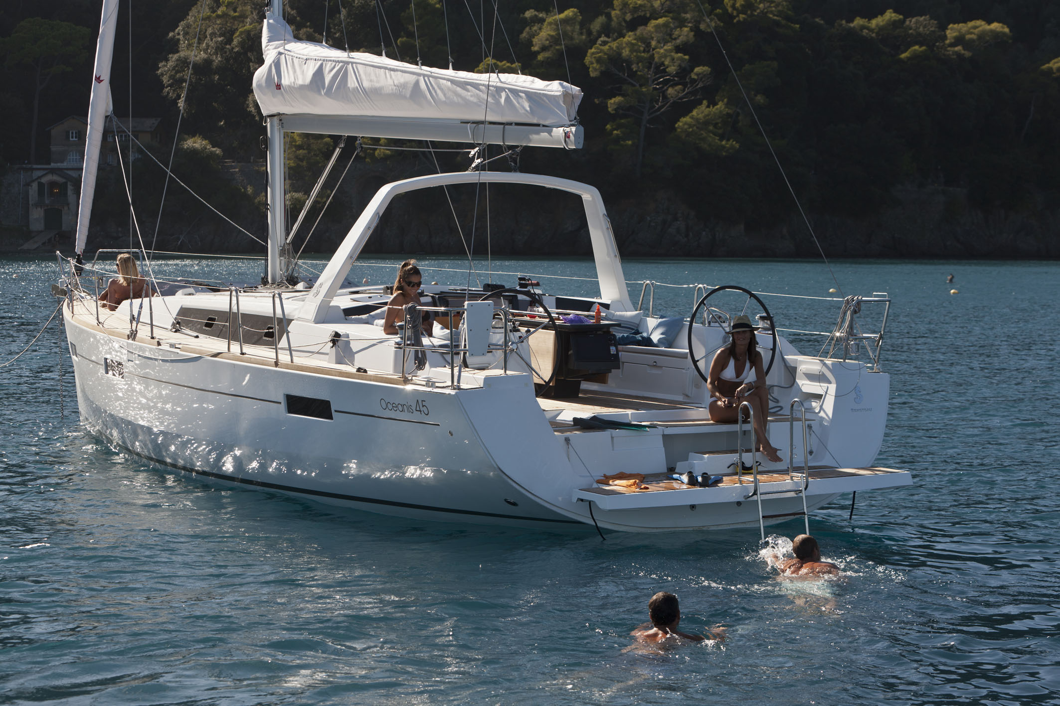 EXCURSIONS  yachts